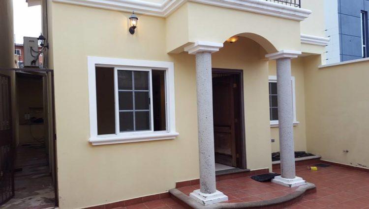 Alquiler de Casa en Residencial - Roble Oeste 2