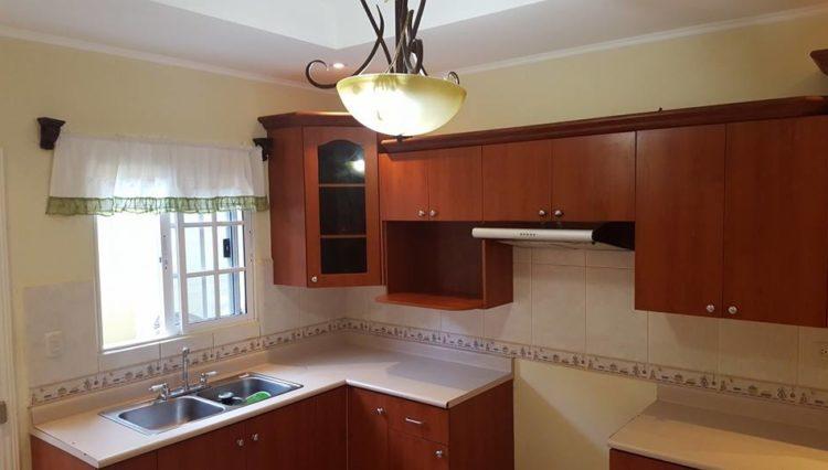 Alquiler de Casa en Residencial - Roble Oeste 5